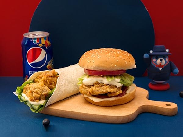 汉堡鸡肉卷+可乐
